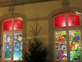 Weihnachtsmarkt - Adventsfenster