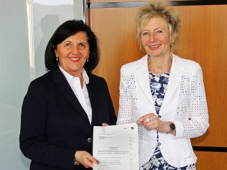 Landrätin Eva Irrgang und Regierungspräsidentin Diana Ewert