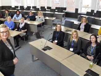186127P 326x245 - Delegation europäischer Schulen im Kreishaus