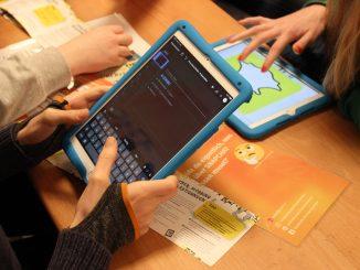 198485P 326x245 - Medienzentrum bietet zwei neue Workshops für Schulen zu Social Media an