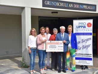 """204618P 326x245 - 1.200 Euro für """"Benimm-ist-in""""-Projekt"""