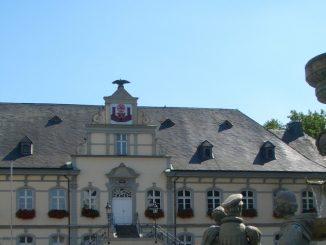 LP Rathaus 326x245 - Städtische Veranstaltungen bis zum 6. April abgesagt