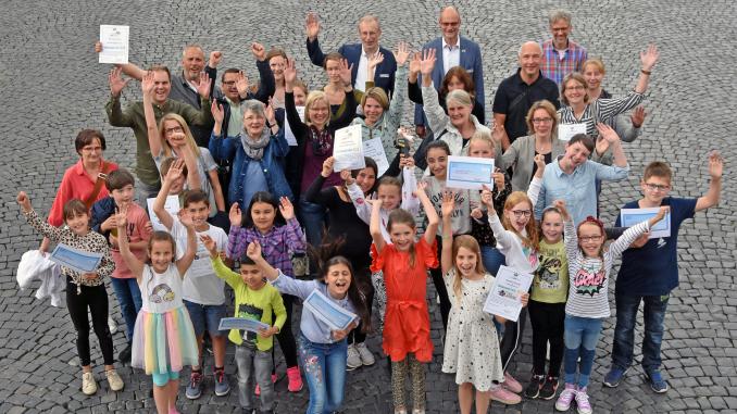 Preisverleihungen für die Klimaschulen in Lippstadt 678x381 - Gold, Silber und Bronze für Klimaschutz