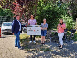 48 Tierschutzverein Lippstadt22349 326x245 - Krombacher Brauerei spendet 2.500 Euro an den Tierschutzverein Lippstadt