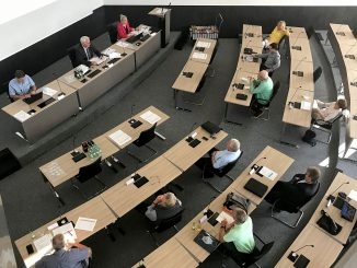 220728P 326x245 - Wahlausschuss stellte Ausgang der Landrats- und Kreistagswahl fest